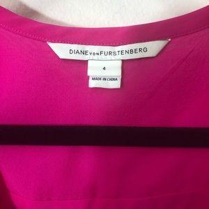 Diane Von Furstenberg Tops - DIANE VON FURSTENBERG size 4 silk fuschia blouse